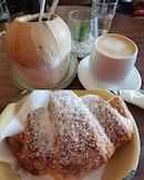 Thai black coco latte ($7.50) & Coco latte ($5.50) & Pandan kaya croissant ($4.50) 😋😋 .