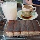 Banana cake (S: RM$4.80); Barley and coffee (RM$1.50 each) 😋 .