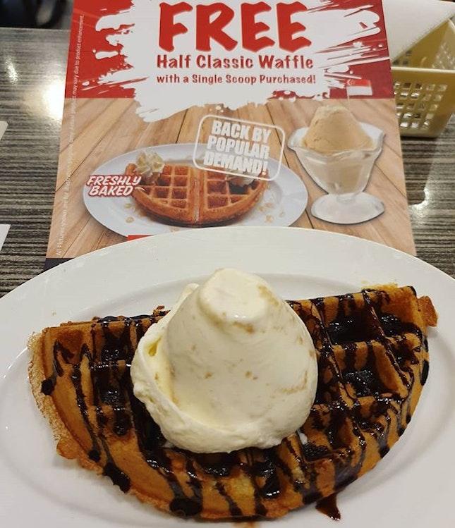 Ice cream waffle (promo: $5.90)!