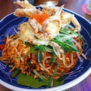 Mee goreng with a soft shell crab fusion.