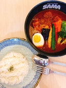 Oink Oink Tomato Curry, $15.90