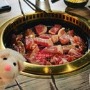 For $39++ per pax, this buffet is quite worth its weight with Kagoshima pork as well as succulent oysters...