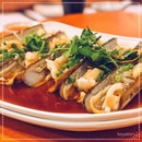 [De Classic Golden Spoon] Steamed Bamboo Clams with Vermicelli, S$10 per Clam.