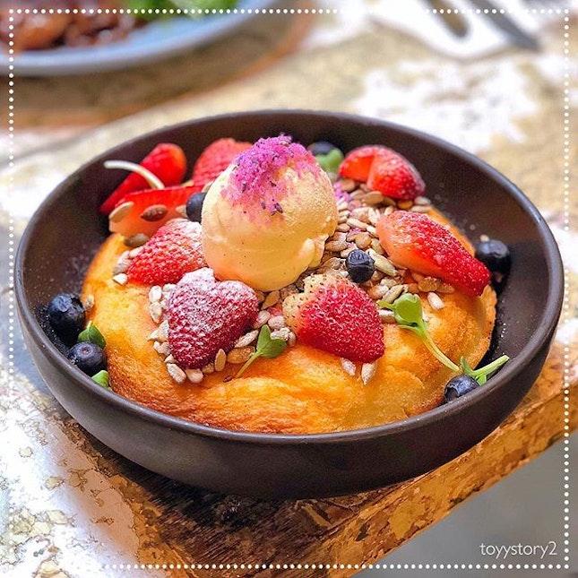 [Curious Palette] Berry Ricotta Hotcake, S$14.90 🍰.