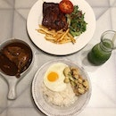 Anybody else hates going out on public holidays like me because everywhere's always so crowded?😹 Well i think you can dine in peace at @goodolddaysbistro , a newly opened cafe with super retro and vintage decor.