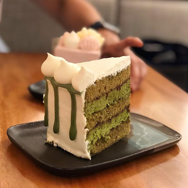The Le Omm ($9) is truly every hardcore matcha fan's heaven with the strong, bitter matcha mascarpone sandwiched between fluffy layers of sponge.