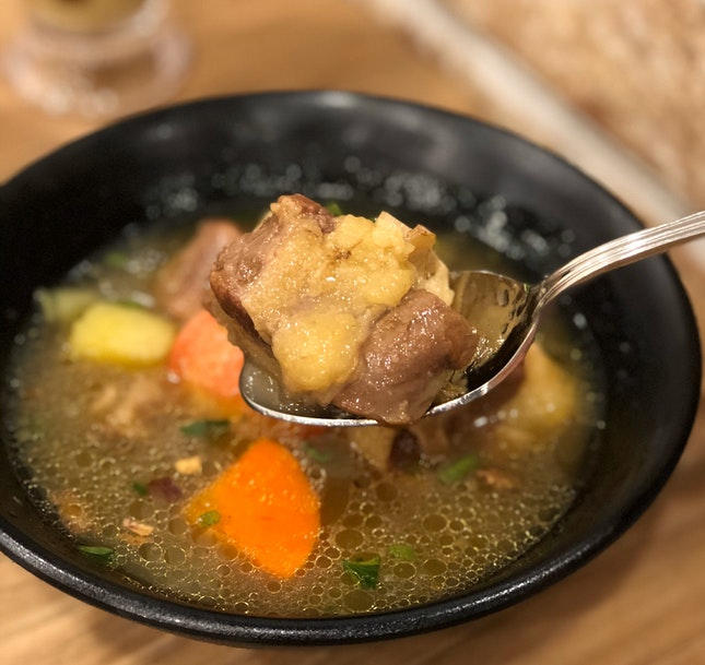 Oxtail Soup ($8.90)