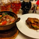 "Recommend: Claypot Angus Beef cheeks ""Bourguignon"" And Duck Confit with Wokhey Horfun!"