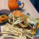 Crispy Chicken Satay Tacos