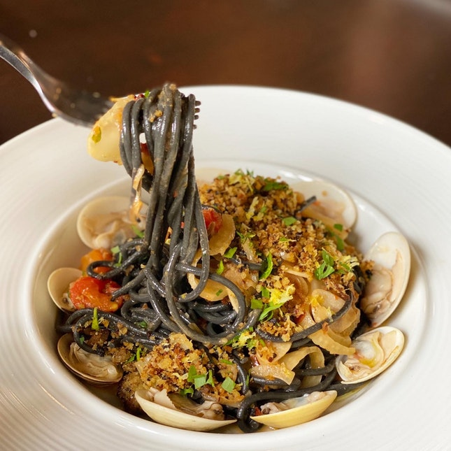 Squid Ink Pasta That Won't Stain Your Teeth!