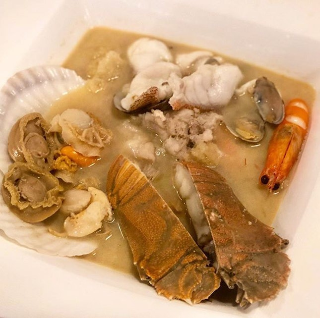 Introduced my Mum and Aunt to my favourite seafood soup.