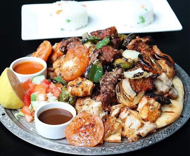 Had a delicious Turkish feast at @ottomankebabandgrill ❣️ What we tried: •Ottoman Shish Platter $49 [sooo fragrant grilled combination of chicken, beef, lamb, meatballs, and seafood plus tomatoes, salad & pilav.