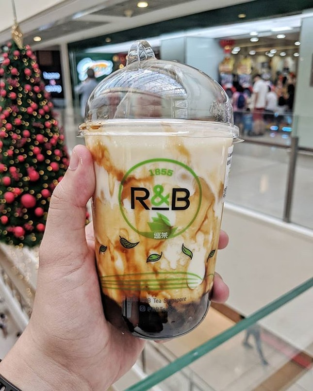 R&B, Brown Sugar Boba Milk with Cheese Brulee  Still a fan R&B's rendition of brown sugar boba milk, and decided to give their cheese brulee a try.