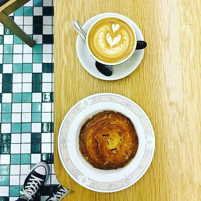 Quick caffeine fix ☺️ In fact I purposely came for the Kouign Amann - I called it as round crusty sweet croissant 😬 📎Kouign-amann (pronounced QUEEN-ah-mahn) are made of laminated dough—croissant dough, containing layers of butter and sugar folded in.