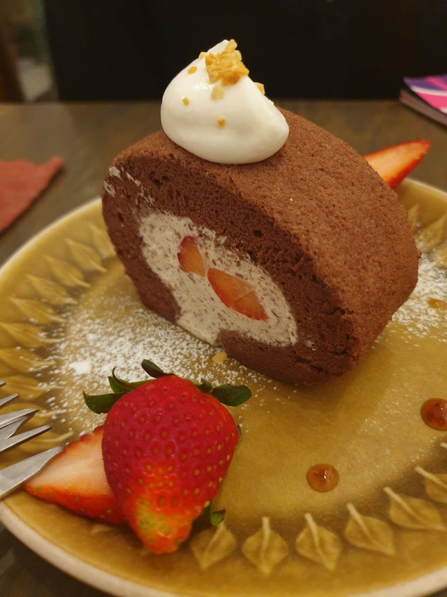 Chocolate Strawberry Roll