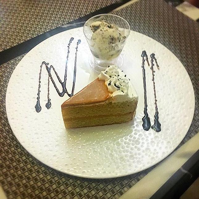 This Thai Milk Tea Cake is moist, dense and not too sweet😙 .