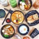 Hey fellas, do you enjoy a good cuppa of kopi☕ & a bowl of laksa🍜 with a few slices of Kaya Guyou Loti🍞 and kuey neng neng liap 🥚🍳?