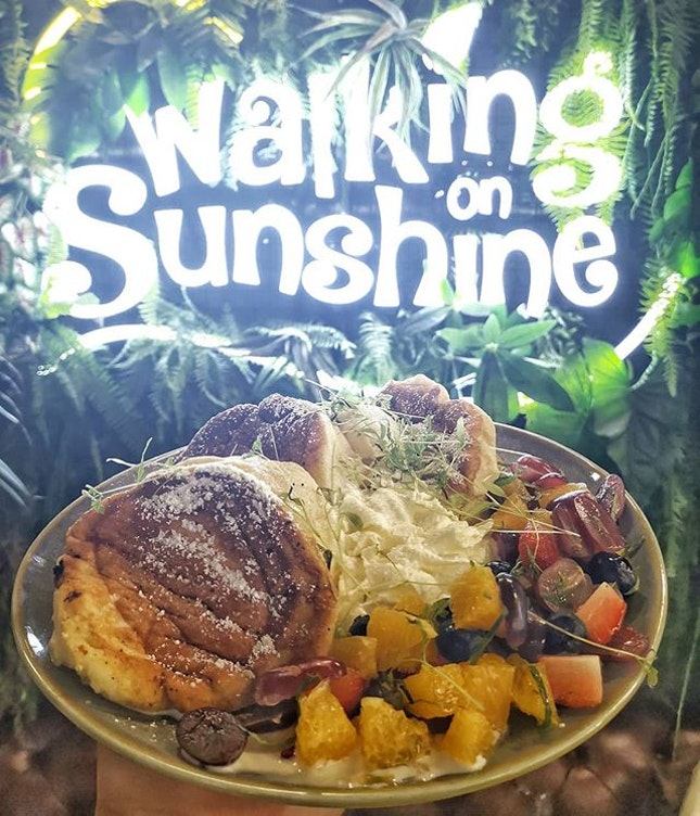 Walking On Sunshine 🌞 take a walk through the greenery scene within the cafe at @walkingonsunshine.cafe with their utmost service with High potential of Hair Stylist in their salon!!