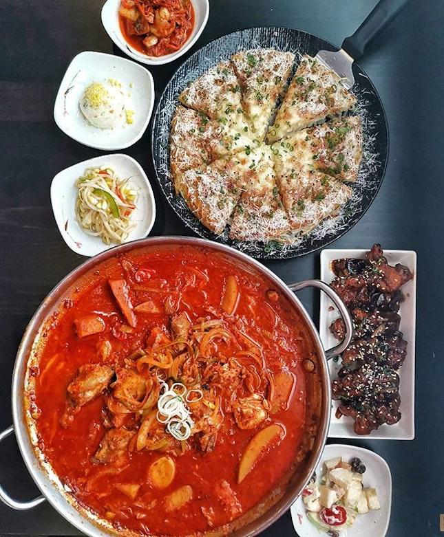 [Yeogi Korean Restaurant] .