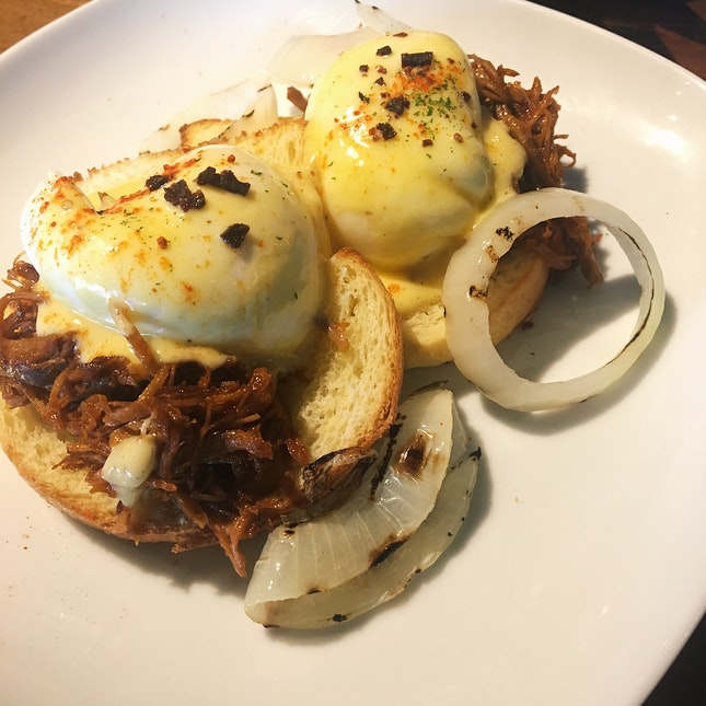 Pulled Duck Benedict (RM29)