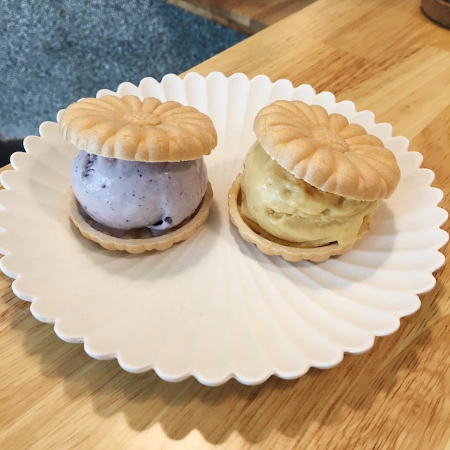 Monaka Ice Cream Sandwich (RM11 each)