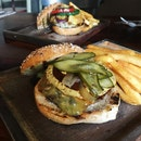 Classic Beef Burger With Cheese(RM29)