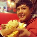 Meet my takaw foodmate, Beben 😊 #theBrat #bratwurst #englishpork #pork #sausage #sauerkraut #snacktime #takawMO #burpple #twentybears #oursweetNovemberSG