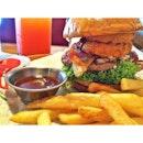 Burger goals  #burgerporn #burpple #ChilisBarandGrill  #belleyeats