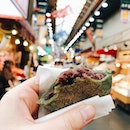 📍Kuromon Market @ Osaka ⠀⠀⠀⠀⠀⠀⠀⠀⠀⠀ ✏️Had one of the best warm mochis ever in my life!!!