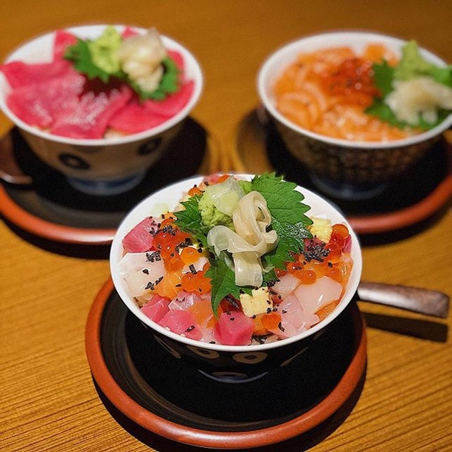 [Somerset] These mini bowls were almost palm-sized, but the Maguro ($16), Salmon Ikura ($15) and Chirashi don ($17) had fresh enough sashimi which should appease less picky Japanese food lovers, but I'm picky.