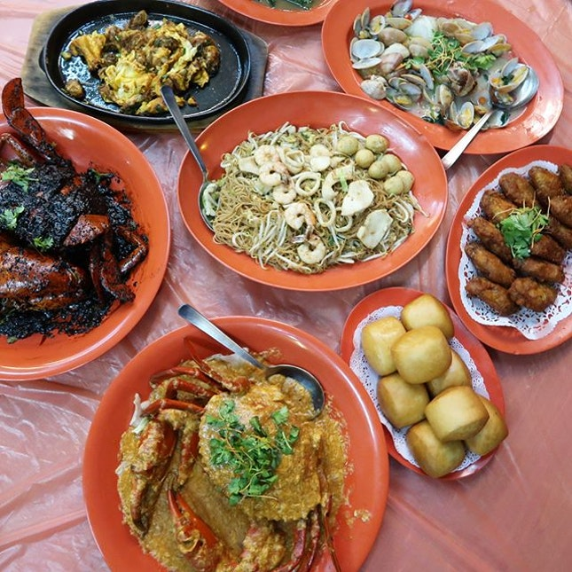 🦀: Assorted Tze Char Dishes Honestly don't think this place is unheard of at all!