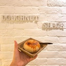 Sharing this interesting donut joint - @doughnutshacksg which sells donuts that certainly dont look like your typical donuts with a circular hole in the middle 😂 Featured here is one of their best sellers - Creme Brûlée Donut which wasn't overwhelmingly sweet!