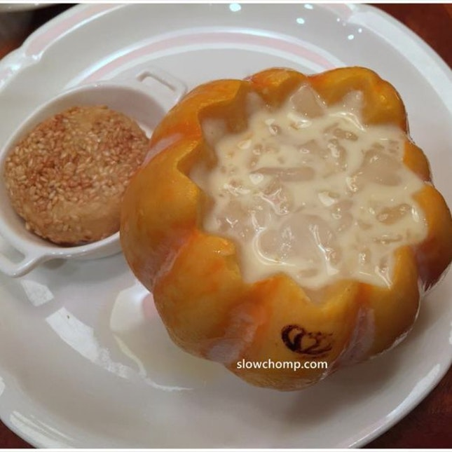 Chilled Mango Coulis and Hashima Served in Mini Pumpkin accompanied with Red Bean Pancake 南瓜盅杨枝雪蛤拼豆沙窝饼, $15++