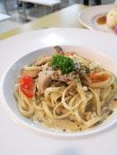Pesto Cream Pasta With Mushrooms & Chicken