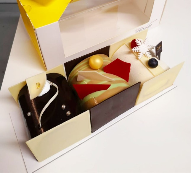 Festive Logcakes