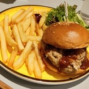 Pulled Pork Knuckle Burger