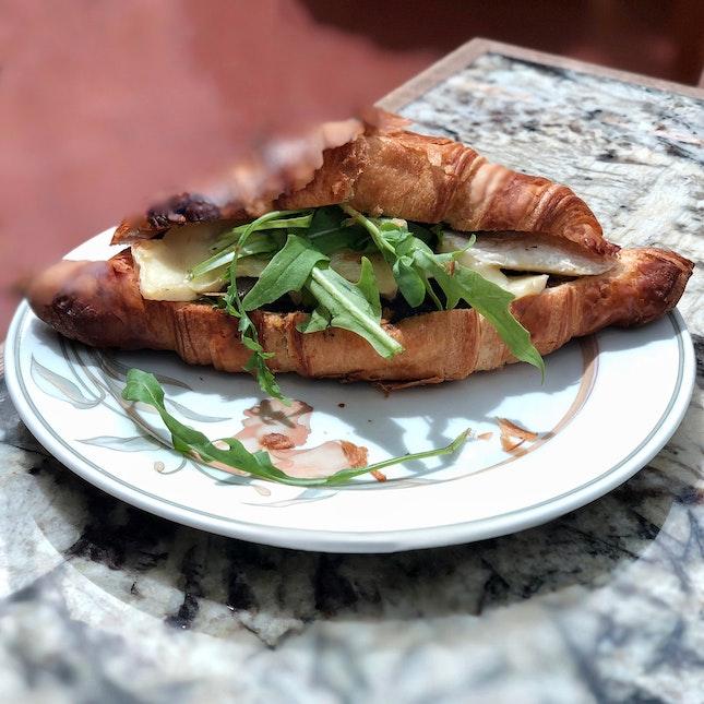 Brie & Roasted Mushroom Croissant