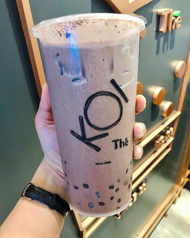 Singapore food hunt 📌 [Chinatown, Singapore 🇸🇬]👇🏻#oneadayinSG ——————————————— ✔️ Cacao Barry with golden pearls & taro q, S$6.10 .