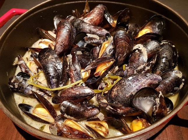 Mussels, 500g for $32, 1kg for $61 (Daily Special)
