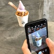 When it's something good, it's not just me who would like to snap a picture of the soft serve 📸.