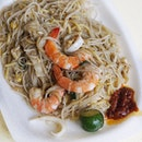Hokkien Man by ex sous Chef Les Amis, is located at small Coffeeshop at Toa Payoh Lorong 7.