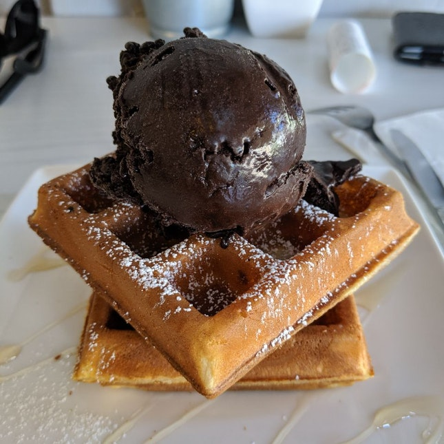 Good Ice Cream And Waffles