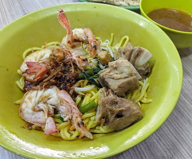 Had a craving for this ever-popular prawn mee and ordered their prawn and pork ribs noodles ($5.90).