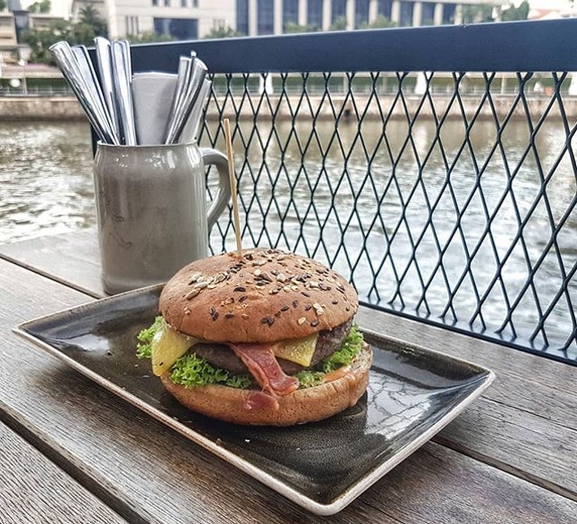 """Rare burger that's delicious but feels """"healthy""""."""