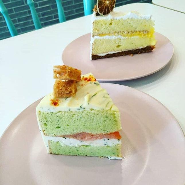 The Green duckling savoury smoke salmon cake and sweet n sour keylime cake❤👍 @thegreenducklings  #littlesweetbonsbons #thegreenducklings #cafe #theconcourse #savourycakes #smokesalmoncake #sweetcakes #keylimecakes #cakesofinstagram #cakes #sweetandsavoury #highlyrecommend #burpplesg #burpple #❤❤❤❤❤❤
