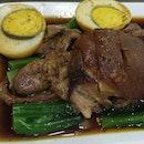 Khun Mee Thai (Kha Moo - Pork Leg)