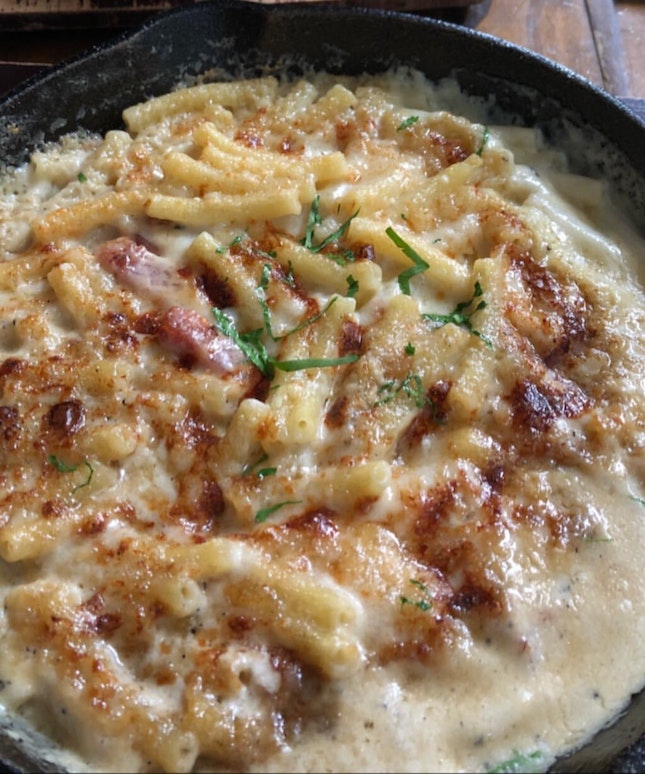 bacon truffle mac & cheese $25++