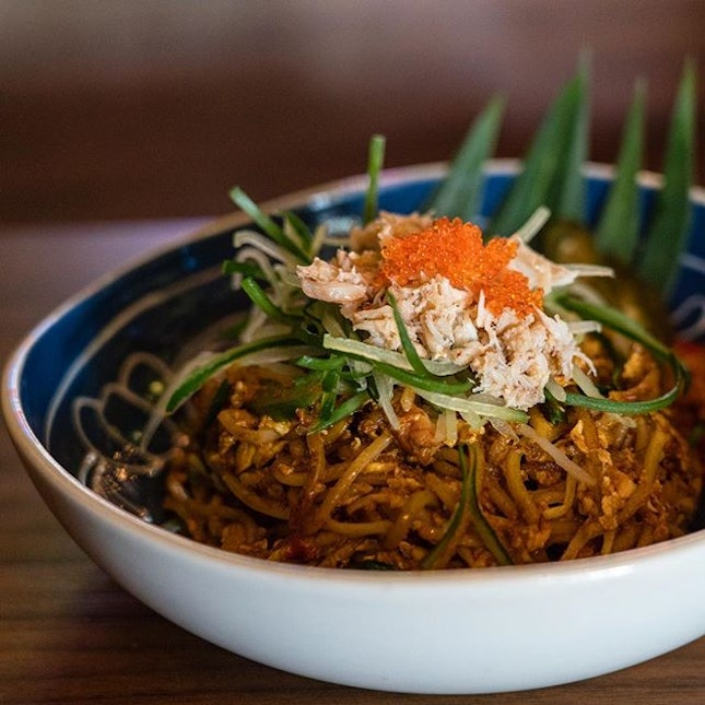 Chilli Crab Mee Goreng | smoked pancetta, crab meat, egg, spicy shrimp paste