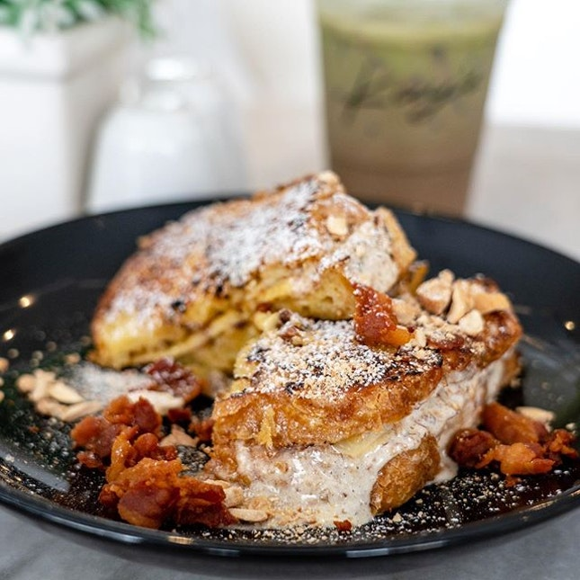 Ultimate French Toast | french toast stuffed with banana and almond cream, sprinkled with bits of bacon and cashew nuts