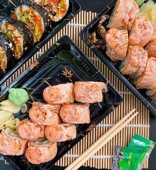 Yummy Aburi Salmon Maki!